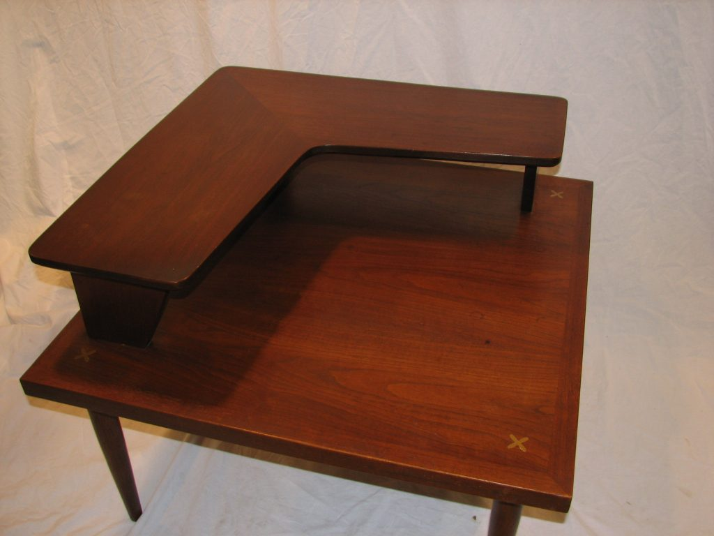 American of Martinsville corner table Specializing in Mid Century Modern furniture and accessories.