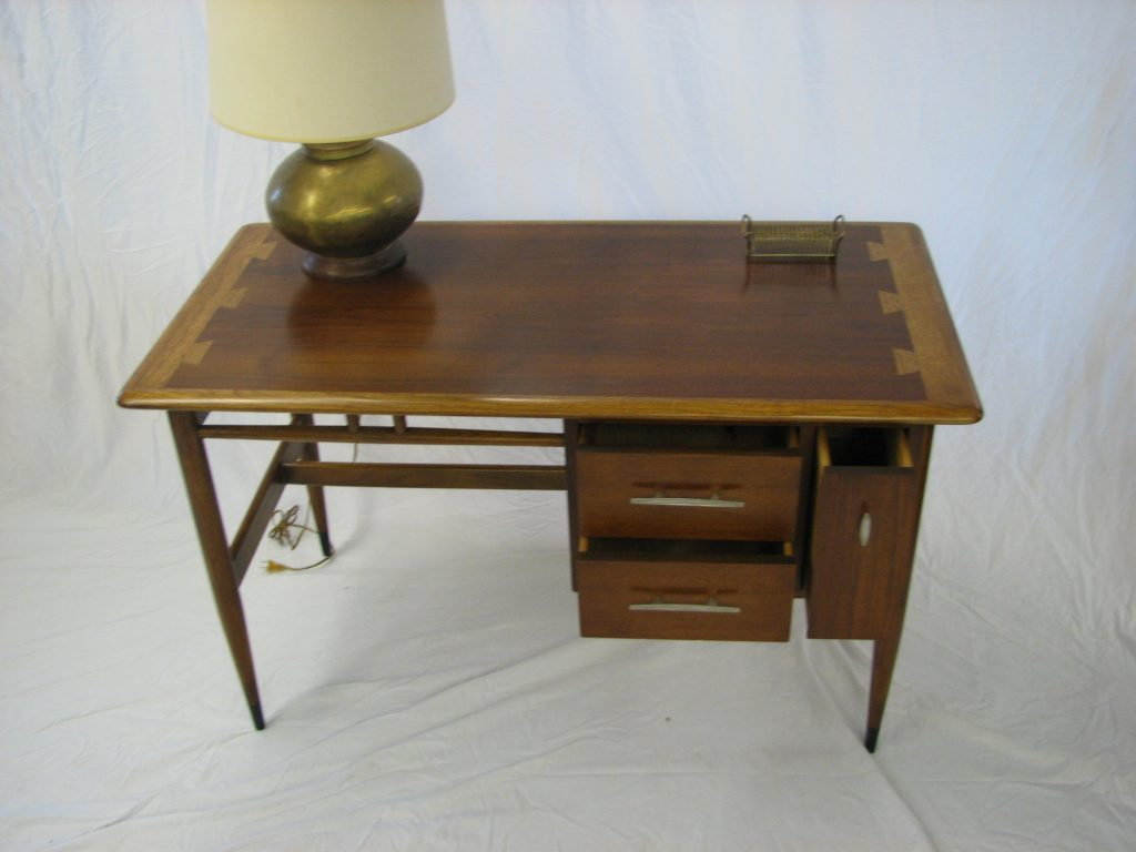 Lane desk07