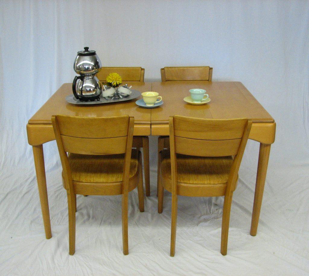 Good Heywood Wakefield Dining Set (2)